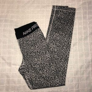 Nike Pro Patterned Full Length Leggings